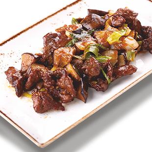 Жареная говядина с баклажанами в устричном соусе